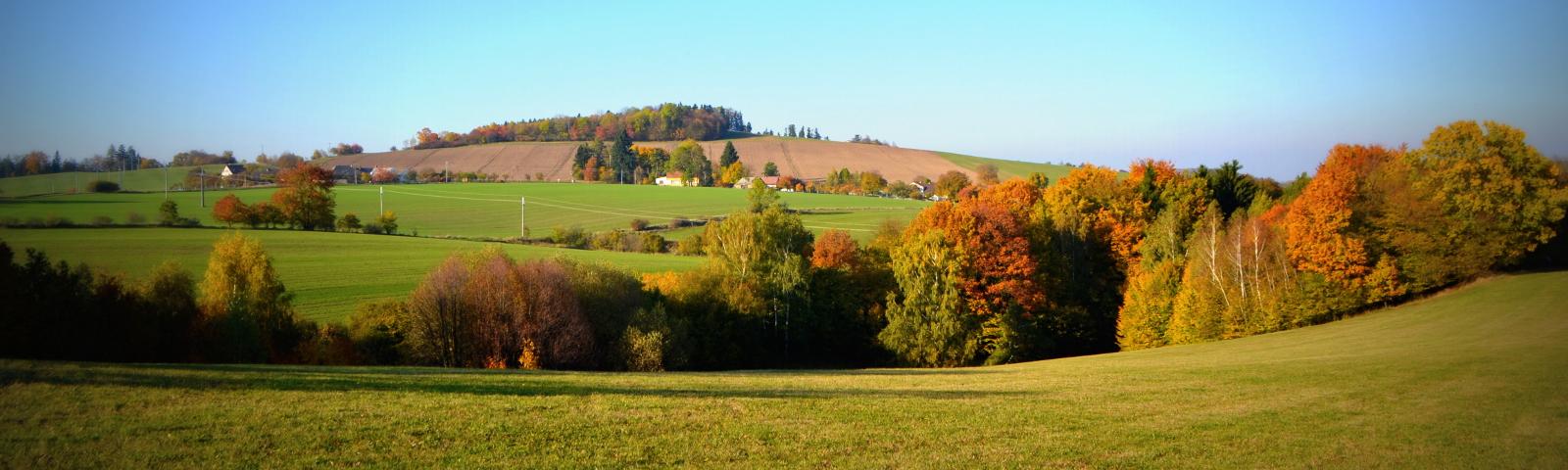 podzimní pohled na Skalky